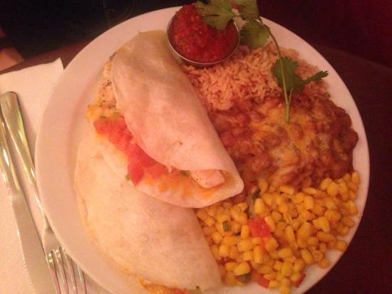 Gina's Mexican Cafe : Fish Tacos