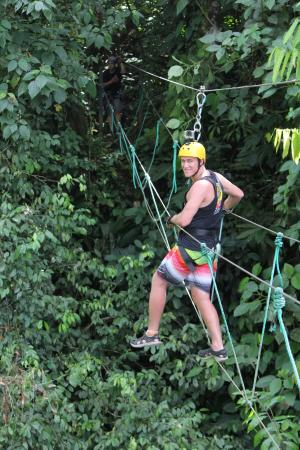 Quepo Canyoning: Walking the tight rope