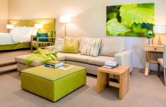 Spicers Vineyards Estate: King Spa Room