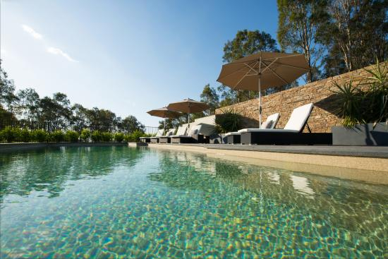 Spicers Vineyards Estate: Lie pool side for some peaceful relaxation time