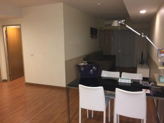 Citadines Sukhumvit 8 Bangkok: Living Room