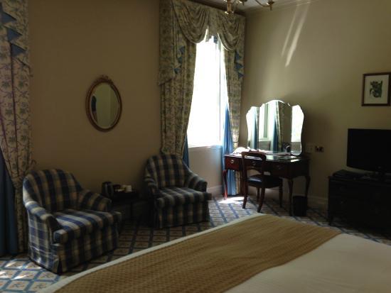 Hotel Windsor Superior Room