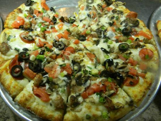 699 Lunch Weekday Pizza Buffet With Unlimited Salad And Drinks