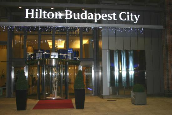 Hilton Budapest City : Front of the hotel