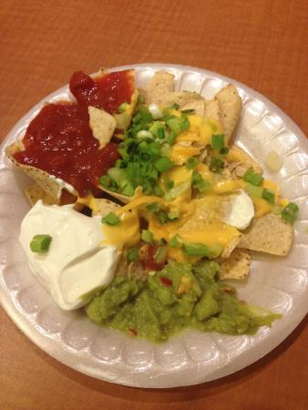 Residence Inn Anaheim Resort Area/Garden Grove: As you can see all the fixings for nachos.