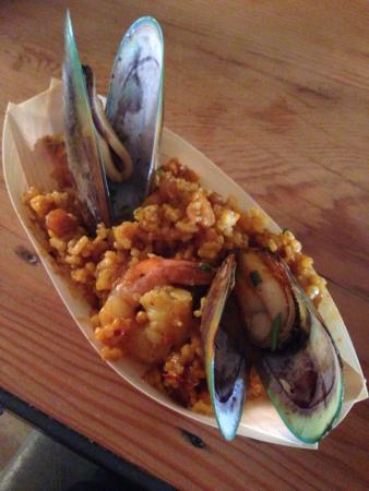 La Rumbla: Delicious paella!!