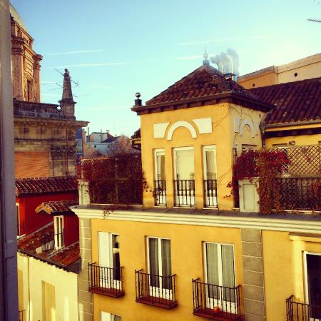 Apartamentos Palacio Real: View from the room