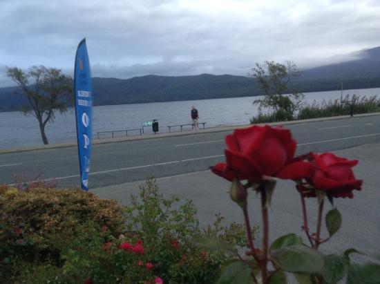 Lake Te Anau: The lake