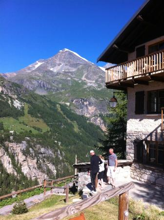 Chalet L'Eperviere: Mountain in Summer