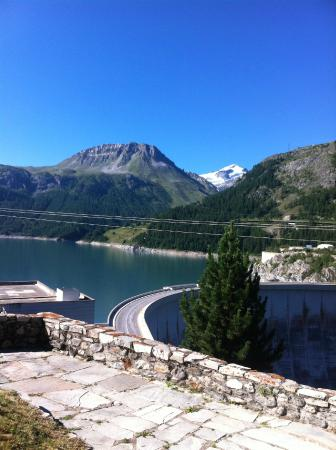 Chalet L'Eperviere: View from Chalet in Summer towards Dam