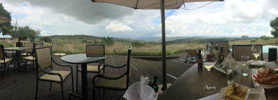 Maropeng Boutique Hotel: Lunch time view...