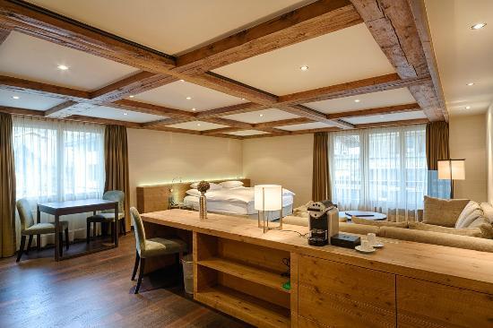 Hotel Bernerhof Gstaad: Gstaad Suite