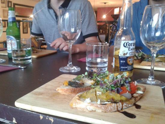 Wooden Board Kitchen: bruscetta