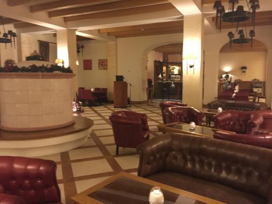 Hotel Schloss Pontresina Family & Spa: Sale principali dell'hotel