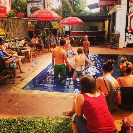 Downtown Siem Reap Hostel: Pool