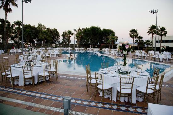 banquete boda en piscina fotograf a de hotel jardines de