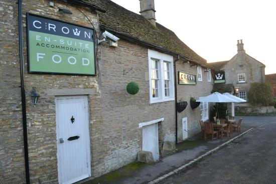 The Crown Inn: Front of Establishment