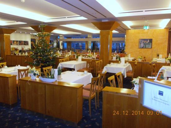 Dorint Resort Arnsberg/Sauerland: Eetzaal