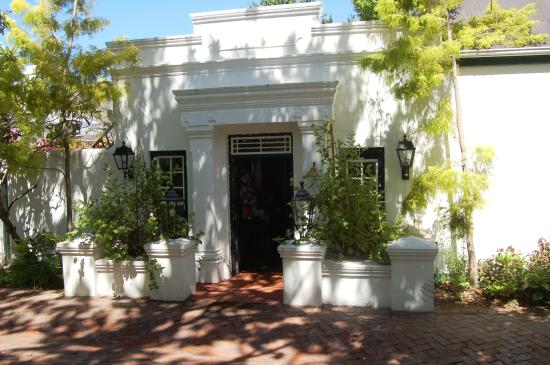 Kurland Hotel: The hotel entrance