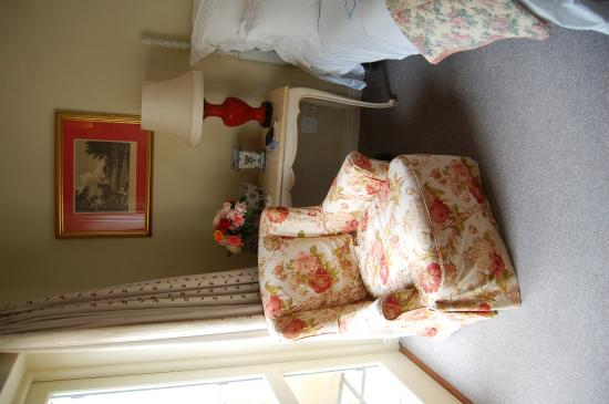 Kurland Hotel: A corner of the bedroom - with fresh roses