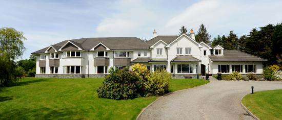 Loch Lein Country House: Exterior View