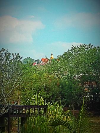 Jasmine Hills Villas & Spa: Doi Saket Temple
