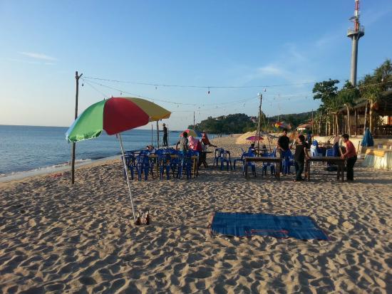 Lanta Seafront Resort: spiaggia