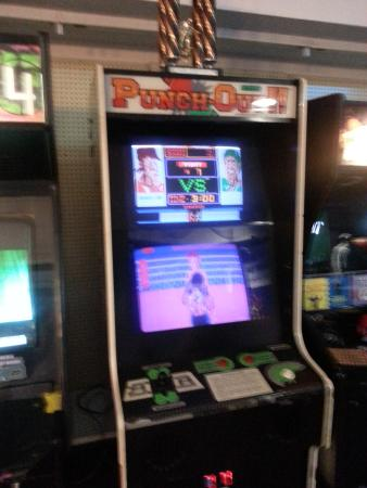 Blue Devil's Challenge Arcade: what! They have punchout