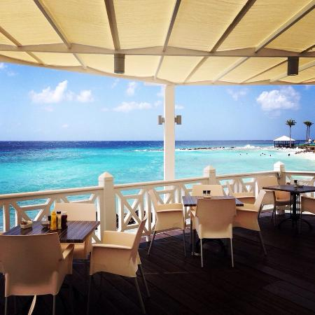 Seabreeze Swim up Bar and Restaurant : Seabreeze terrace - Day time