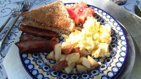 Garden View Cottage Bed & Breakfast: Nice Breakfast