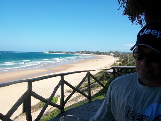 Bamboozi Beach Lodge : Best pub...