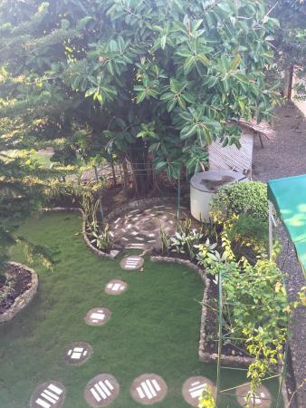Citadel Alona Inn: Garden