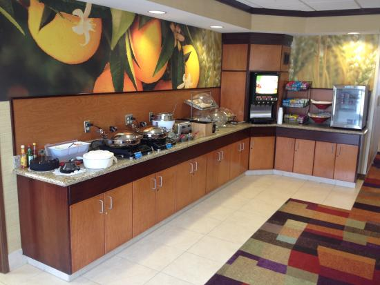 Fairfield Inn & Suites Clovis: Breakfast area