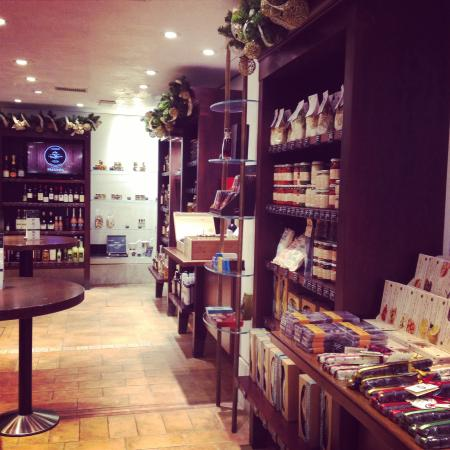 I Tre Mercanti: Магазин...