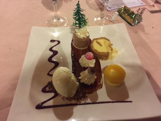 farandole de dessert photo de restaurant le paul paul en jarez tripadvisor