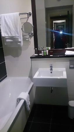Carlton Hotel Blanchardstown : bathroom
