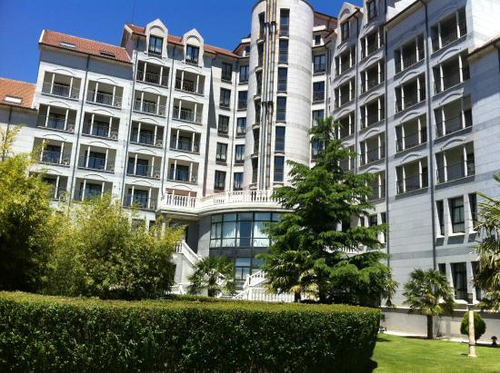 Hotel Bedunia: Vista trasera del hotel