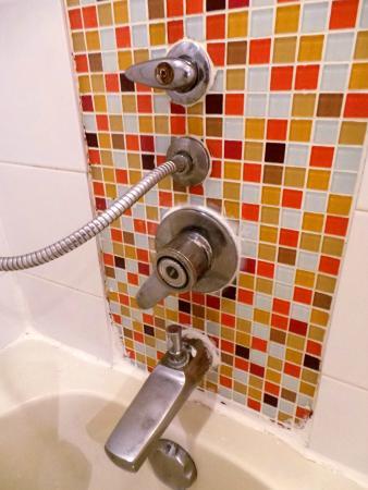 Grand President: salle de bain rouillé sale, et pourrie, pas d'eau chaude