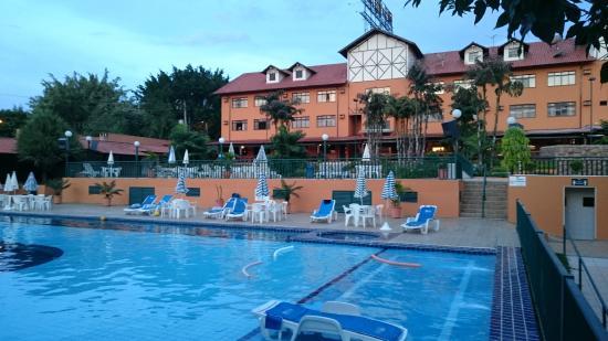 Braston Hotel Indaiatuba : Vista da píscina