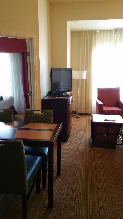 Residence Inn Albuquerque Airport: Sitting area