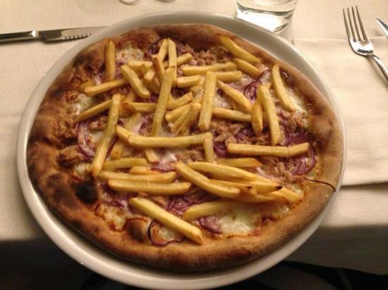 Pizza Bianca Con Tonno Cipolla E Patatine Picture Of