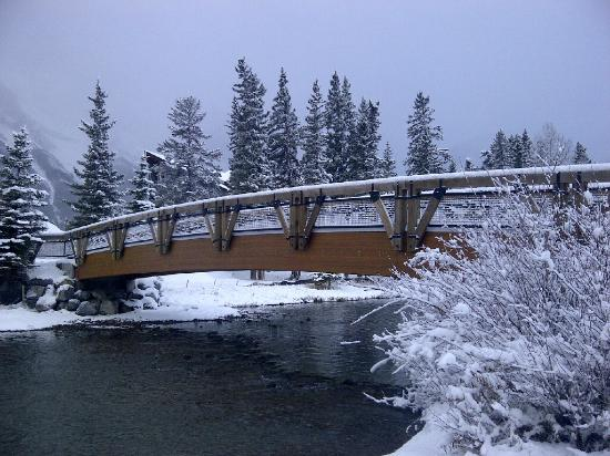 Rundle Cliffs Luxury Mountain Lodge: Policeman's Creek In Winter