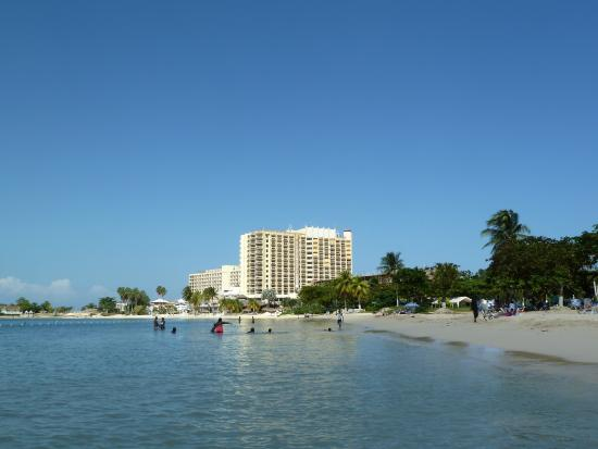 Ocho Rios Bay Beach: Nice stretch of beach for strolling