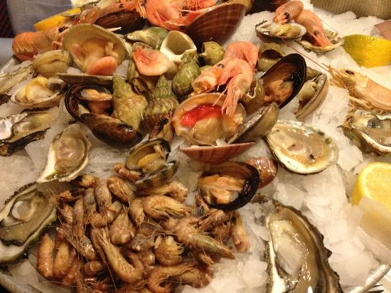 Les Brasseries Georges Uccle : Our seafood plate for two