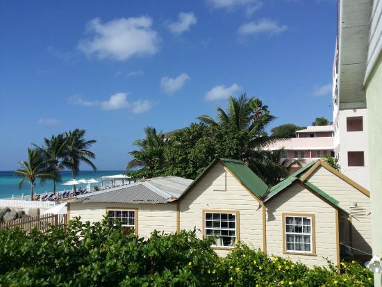 Maxwell Beach Apartments: Le strutture adiacenti