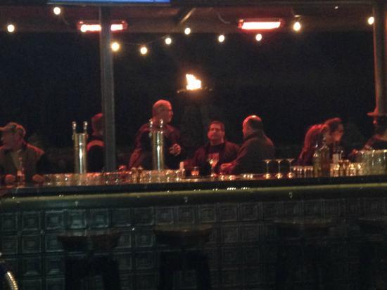 Pizzeria Bocce: Inside/Outside Bar