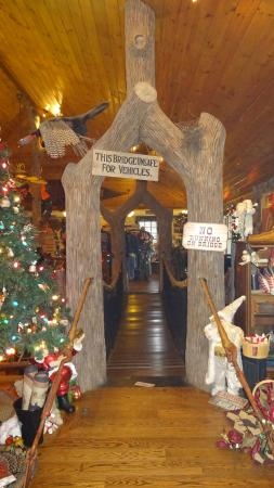 The Swinging Bridge Restaurant: The swinging bridge, and yes you can walk on it.