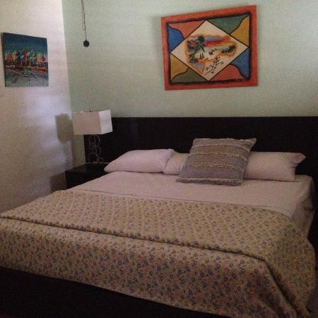 Tamarind Hotel: Queen Sized Bed