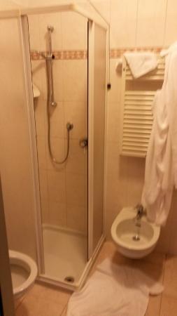 Al Cacciatore: Ванная комната