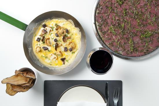 Restaurante Mordisco : Tortilla abierta y carpaccio caliente de ternera